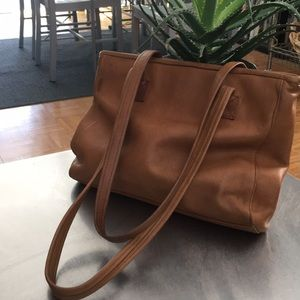 Tignanello /Vintage/ Leather/Small/ Tote/
